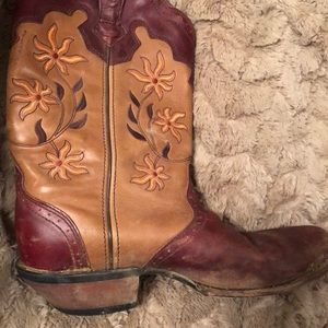 Cowgirl boots genuine leather uppers